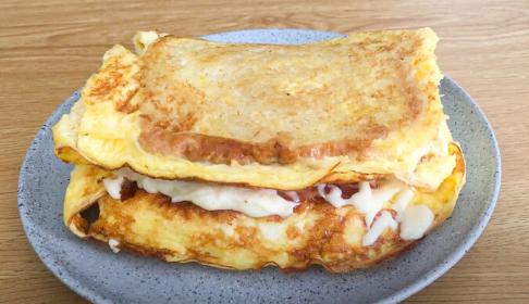 Omelette de pan fracés