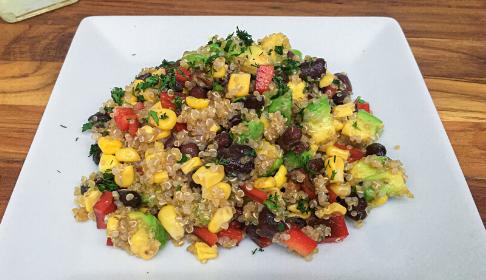 Ensalada tropical con quinoa